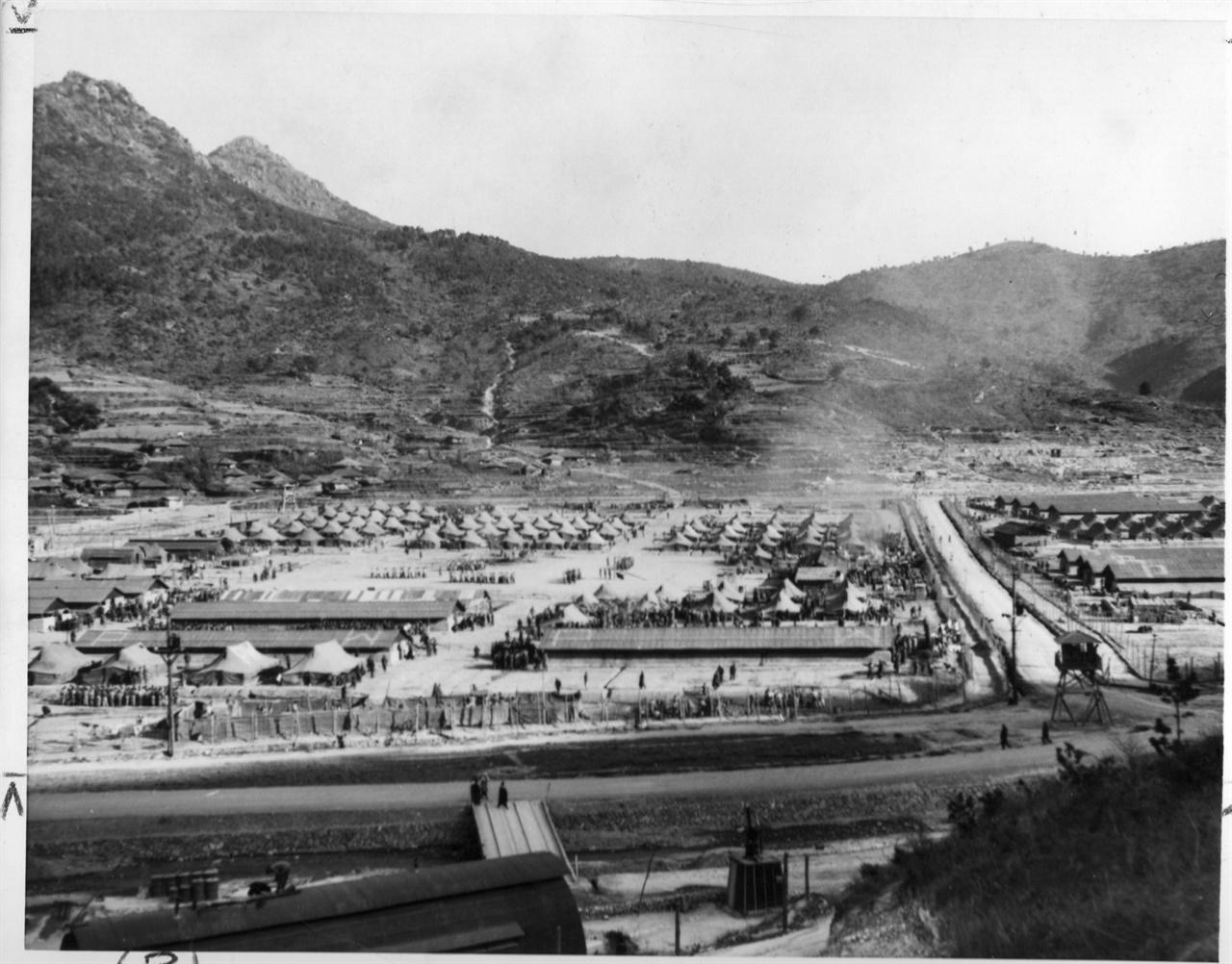 6.25 전쟁 당시 거제포로수용소