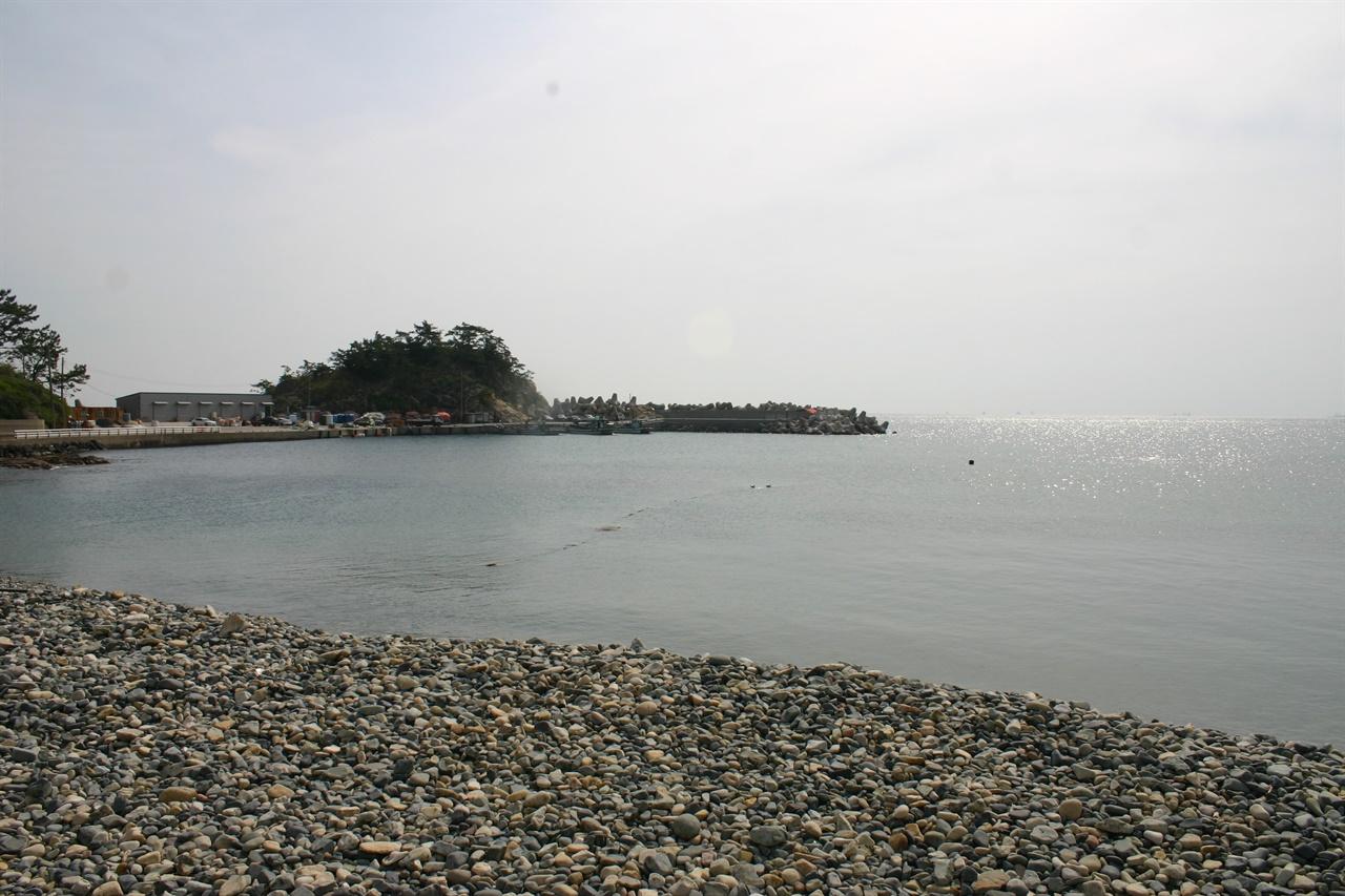김영삼 생가 앞 거제 외포리 바다