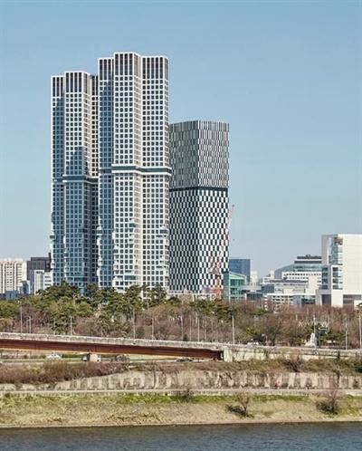 서울 성동구 아크로 서울포레스트 모습. 최근 이 아파트 청약에는 3세대 모집에 20만 명이 넘는 인파가 몰렸다.