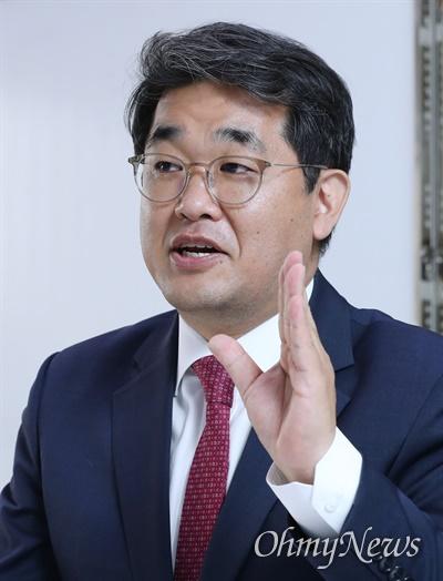 미래통합당 배준영(인천 중구강화군옹진군) 당선자가 25일 서울 여의도에서 <오마이뉴스>를 만나 향후 의정활동 계획을 밝히고 있다.