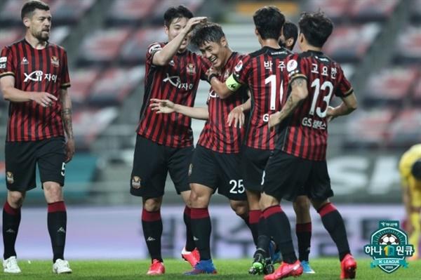 FC서울 서울은 최근 2경기에서 한찬희, 오스마르, 황현수 등 미드필더와 수비수들의 득점에 의존하고 있다.