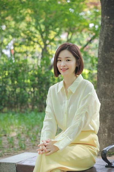 tvN 드라마 <슬기로운 의사생활> 배우 전미도 인터뷰 사진