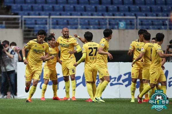 30일 오후 광주 월드컵 경기장에서 열린 '하나원큐 K리그 1 2020' 4라운드 광주FC와 울산 현대의 경기 모습