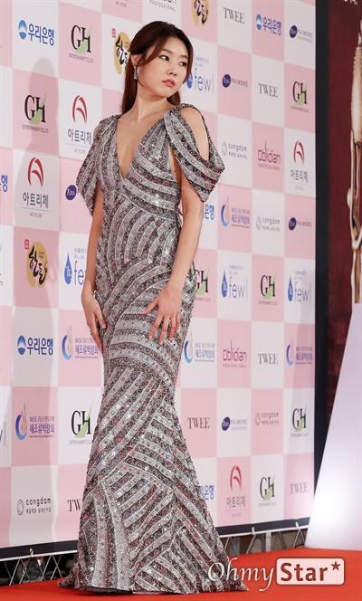 '대종상' 한혜진, 역시 모델! 한혜진 방송인이 3일 오후 서울 광진구의 한 호텔에서 열린 제56회 대종상영화제 시상식 레드카펫에 참석하고 있다.