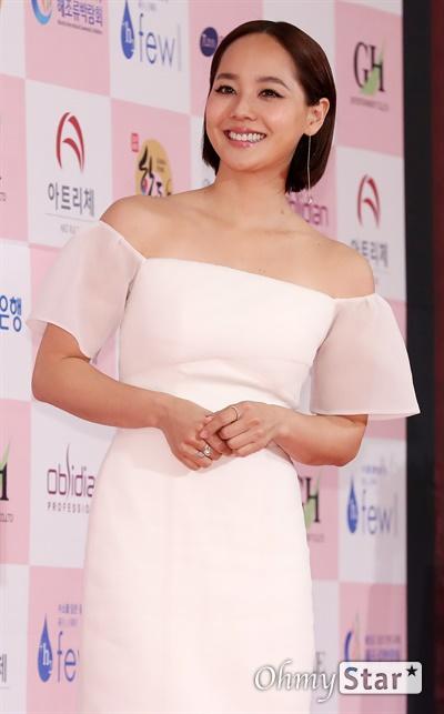 '대종상' 유진, 원조요정 유진 배우가 3일 오후 서울 광진구의 한 호텔에서 열린 제56회 대종상영화제 시상식 레드카펫에 참석하고 있다.