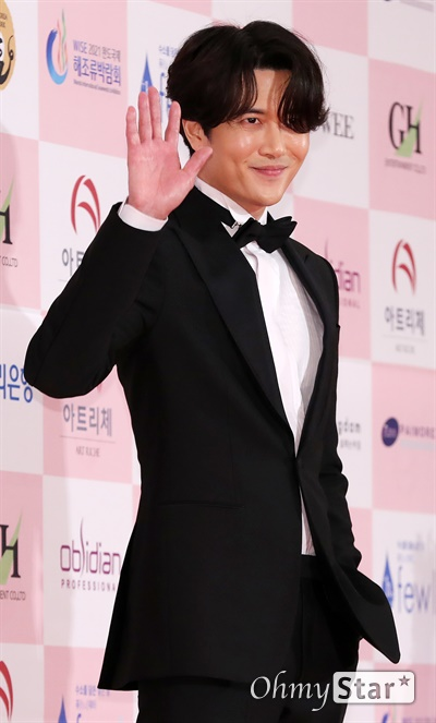 '대종상' 재희, 샤프한 남자 재희 배우가 3일 오후 서울 광진구의 한 호텔에서 열린 제56회 대종상영화제 시상식 레드카펫에 참석하고 있다.