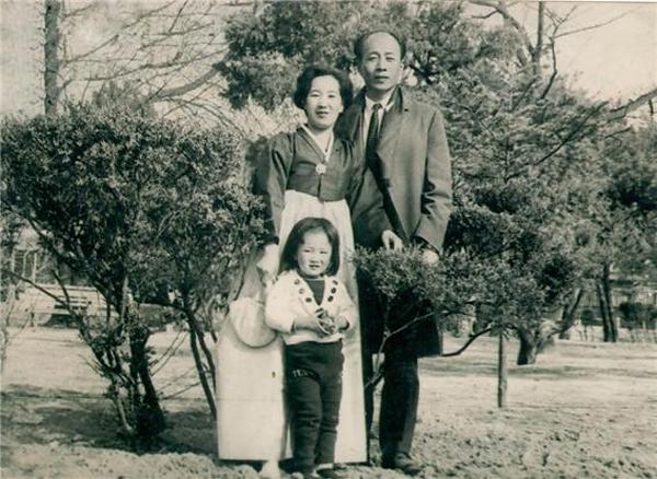 권재혁 선생 가족, 가운데가 딸 권재희