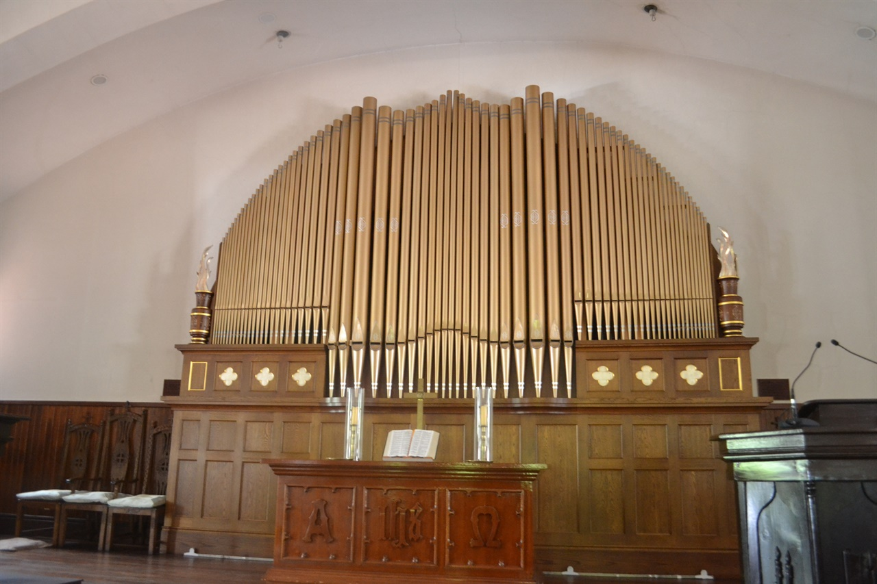 정동제일교회 벧엘예배당에 설치된 한국 최초의 파이프 오르간