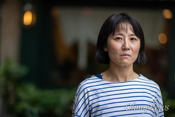 월남한 아버지의 이야기를 다룬 다큐멘터리 영화 <아버지의 이메일> 연출자 월남민 2세 홍재희 감독