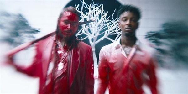2017년 발표된 래퍼 포스트 말론의 'Rockstar' 뮤직비디오 속 한 장면. 포스트 말론은 이 곡으로 빌보드 싱글 차트 1위에 오르며 인기 아티스트로 등극한다.