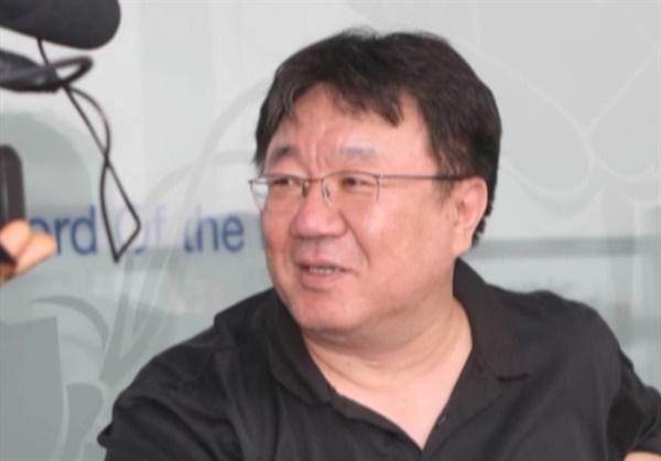 장산곶매 3대 대표를 지낸 강헌(경기문화재단 대표)