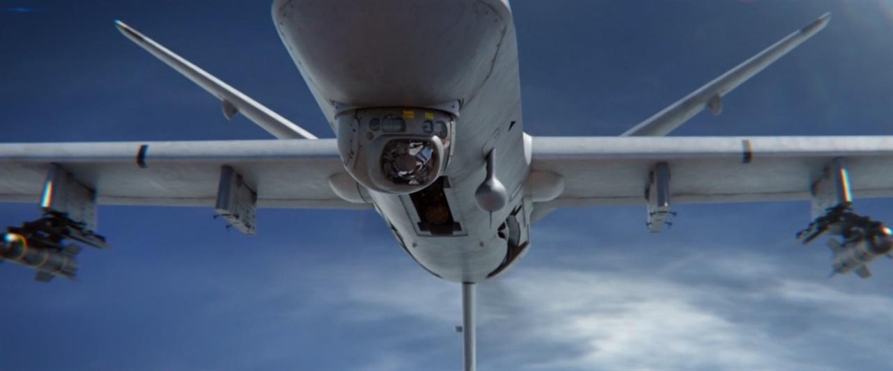 영화 <아이 인 더 스카이> 한 장면 영화 <아이 인 더 스카이>의 폭격용 드론