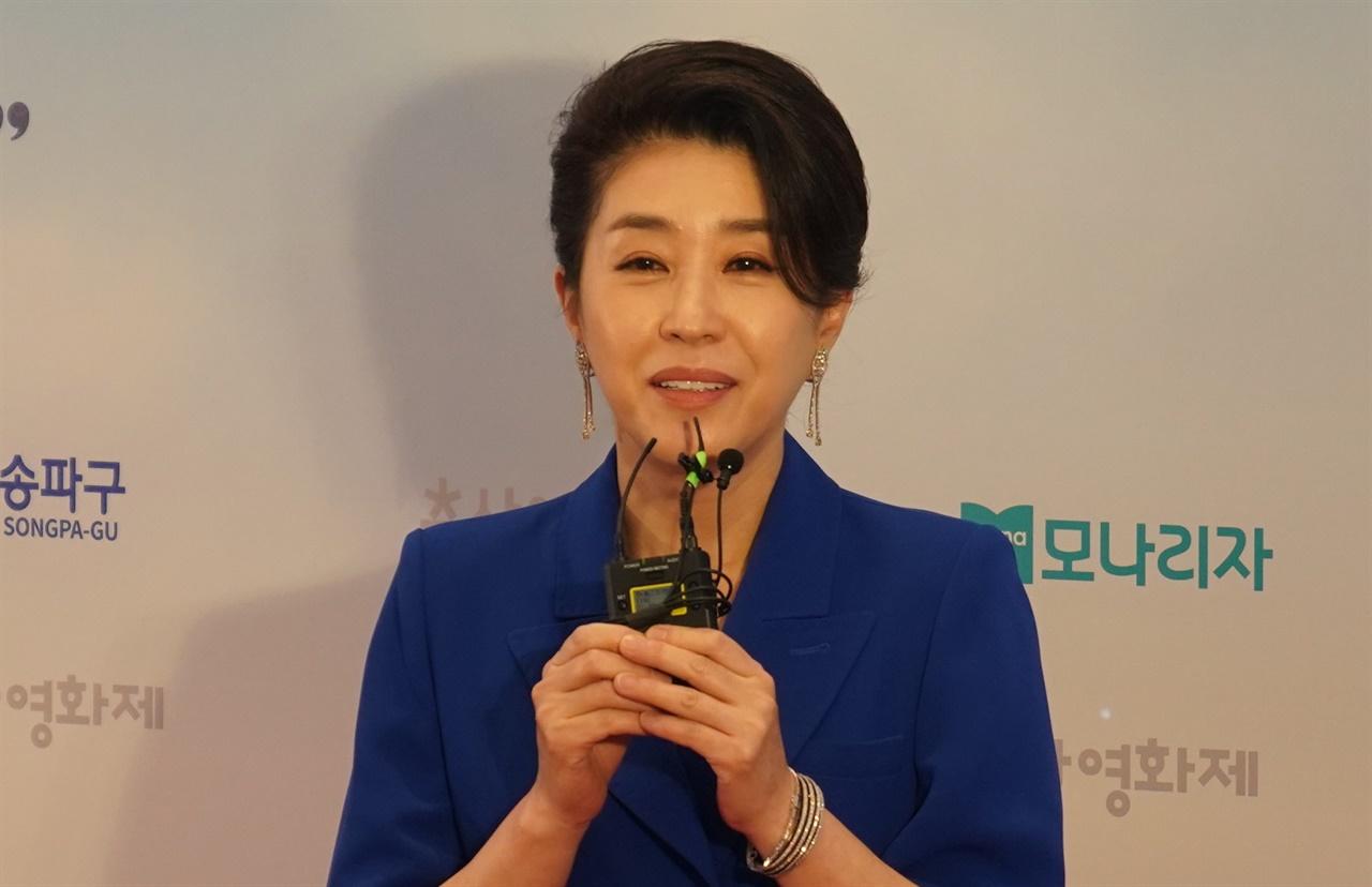25회 춘사영화제 여우조연상을 수상한 <82년생 김지영> 김미경 배우