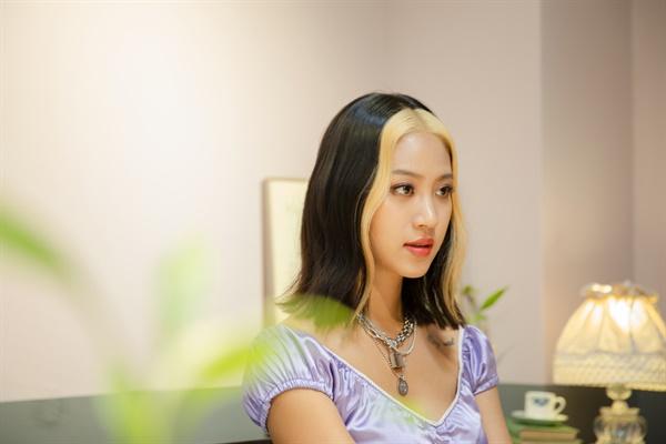 래퍼 나다의 인터뷰가 지난 22일 오후 서울 논현동의 한 카페에서 열렸다.