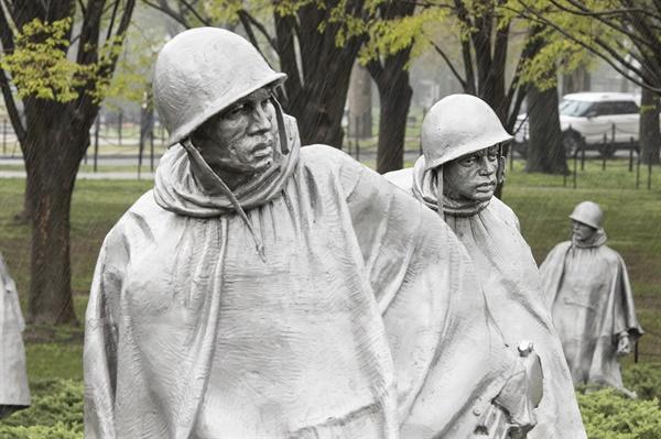 미국 워싱턴 D.C.에 서 있는 한국전쟁 기념비