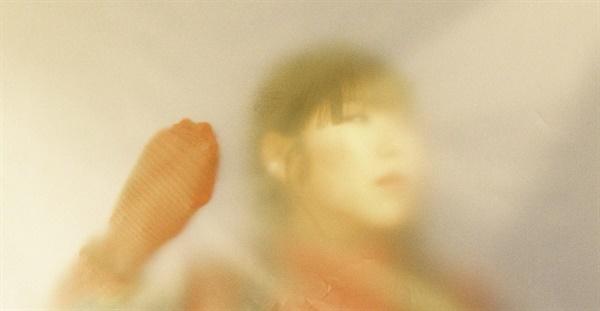 지난 6월 18일 첫 정규 앨범 <균열>을 발표한 가수 문선.