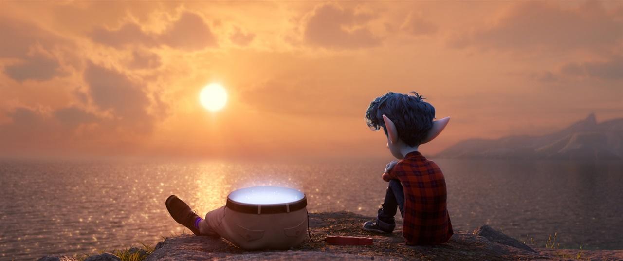 영화 <온워드: 단 하루의 기적> 장면