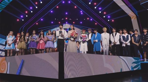 지난 26일 방영된 KBS <뮤직뱅크>.  현재 지상파 및 케이블 각종 음악 프로그램들이 코로나 영향으로 인해 현재 무관객 촬영으로 제작되고 있다.