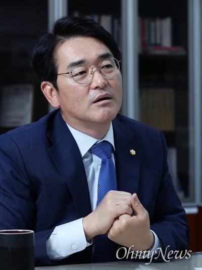 박용진 더불어민주당 의원이 6월 30일 서울 여의도 국회 의원회관에 있는 사무실에서 <오마이뉴스>와 인터뷰하고 있다.