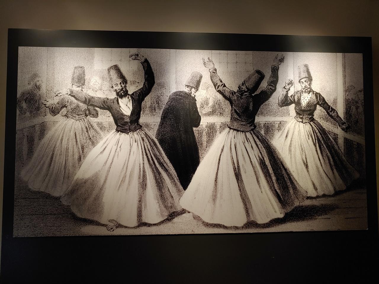 드레비시 세마 댄스를 추는 세마젠들. 일반적으로 나이 든 스승(메블라나)과 세마젠 다섯 명으로 구성되어 있다(이스탄불에 있는 메블라나 박물관).