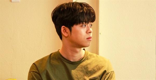 6월 19일 IZM과 부평구문화재단의 < MEETS 시리즈 > 인터뷰에 참여한 그리(GREE). MC그리라는 이름으로 가요계 데뷔한 그는 최근 그리라는 새 이름으로 음악 작업 중이다.