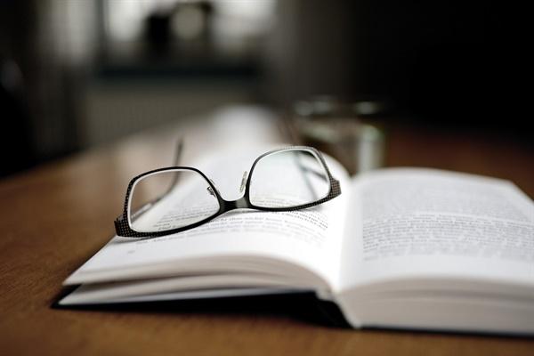 나는 친구가 읽고 있는 책이라면 어김없이 따라 읽었고, 토론이라도 벌어질라치면 늘 그의 편에 섰다.