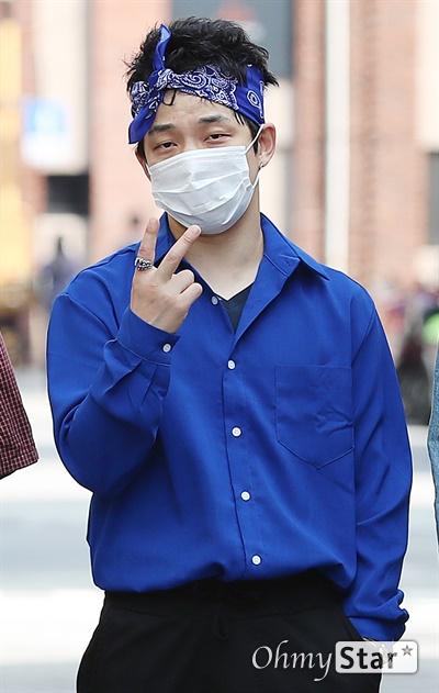 크라잉넛, 데뷔 25주년! 데뷔 25주년을 맞은 크라잉넛의 한경록(베이스)이 7일 오후 서울 마포구에 위치한 연습실에서 인터뷰에 앞서 포즈를 취하고 있다.