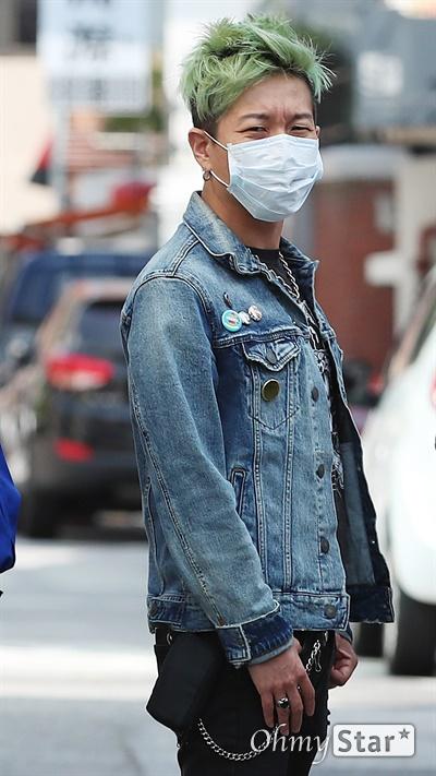 크라잉넛, 데뷔 25주년! 데뷔 25주년을 맞은 크라잉넛의 박윤식(메인보컬, 기타)이 7일 오후 서울 마포구에 위치한 연습실에서 인터뷰에 앞서 포즈를 취하고 있다.
