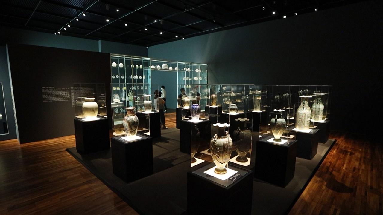 '新신왕실도자, 조선왕실에서 사용한 서양식 도자기' 특별전  7월 29일부터 10월 4일까지 국립고궁박물관에서 개최된다.