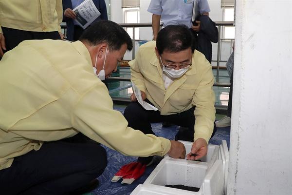 허성무 창원시장은 7월 30일 진해 석동정수장 현장을 찾아 점검했다.