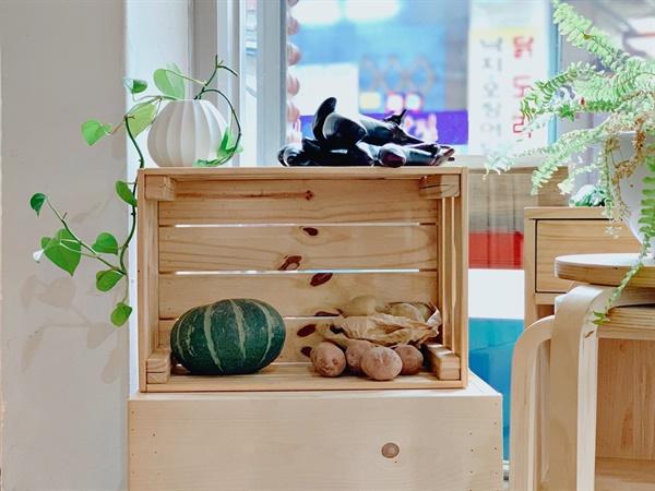 무포장 가게 쓸은 서울혁신파크 인근 카페 '트랜스'에서 유기농 채소와 포장없이 살 수 있는 생활용품을 판매합니다.