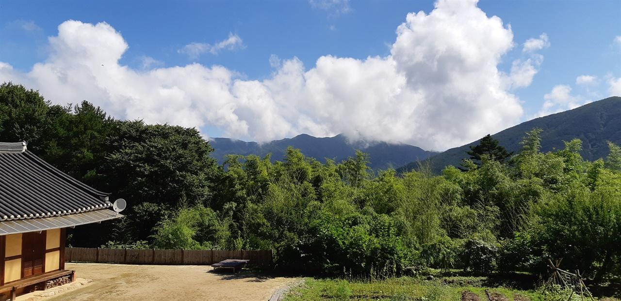 약수암 보광전 앞에서 바라본 풍경