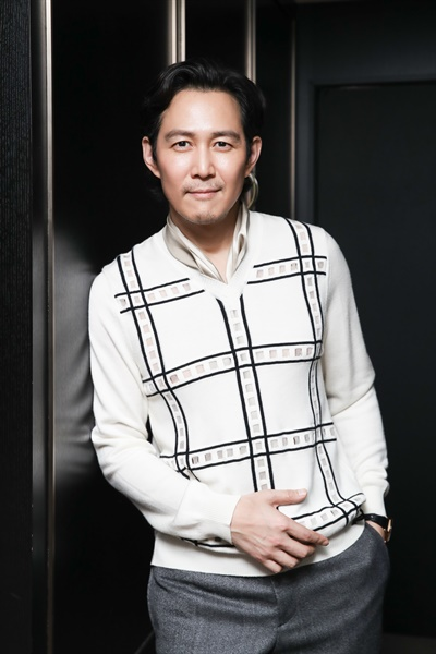 영화 <다만 악에서 구하소서>에서 레이 역을 맡은 배우 이정재.