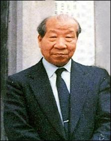 오카 마사하루 목사 오카마사하루자료관 설립의 바탕이 된 고 오카 마사하루 목사