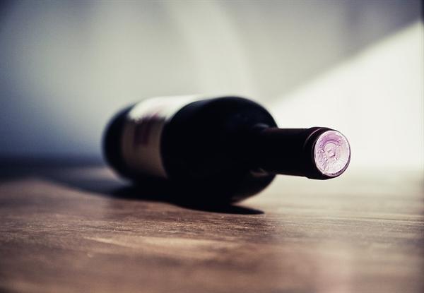 우리는 한 잔 하기 위해 모일 때마다 와인 다큐멘터리를 보며 와인에 대해 공부하기 시작했다.