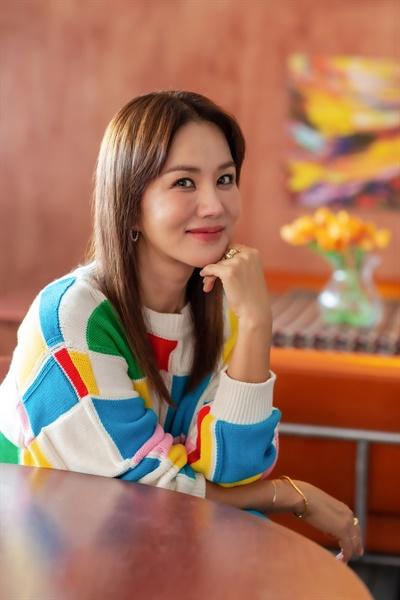 영화 <오케이 마담>에서 미영 역을 맡은 배우 엄정화.