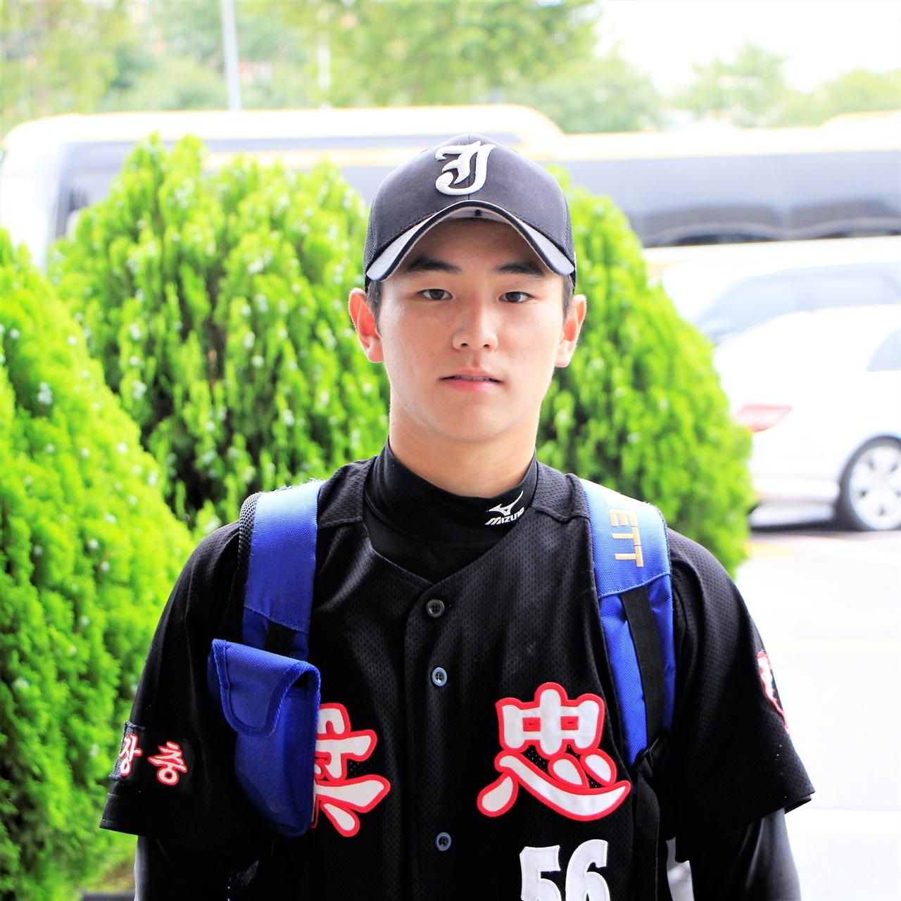 이번 청룡기 대회 좋은 활약을 펼쳤던 장충고등학교의 2학년 박태강 선수.