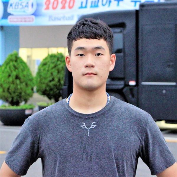 준결승까지의 모든 경기에서 호투했던 광주동성고의 김영현 선수.
