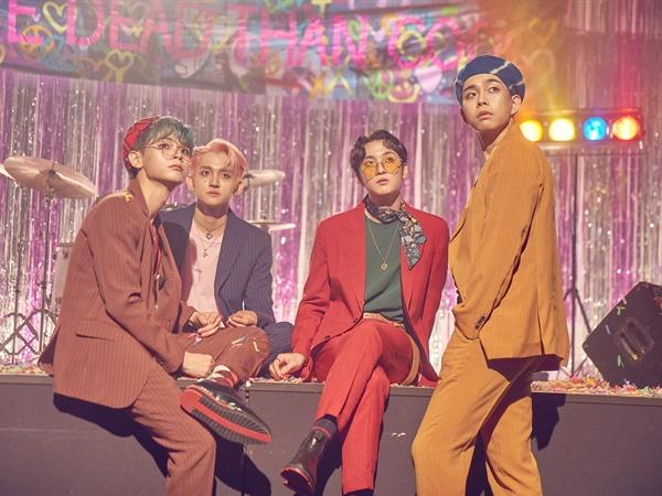 '루시' 슈퍼밴드의 힘 밴드 LUCY(루시)가 13일 1st 미니앨범 < PANORAMA(파노라마) > 발매 쇼케이스를 개최했다. LUCY(루시)는 JTBC '슈퍼밴드'에서 준우승한 미스틱스토리의 첫 보이밴드로 신예찬(바이올린), 최상엽(보컬, 기타), 조원상(베이스, 프로듀서), 신광일(드럼, 보컬)로 구성되어 있다.