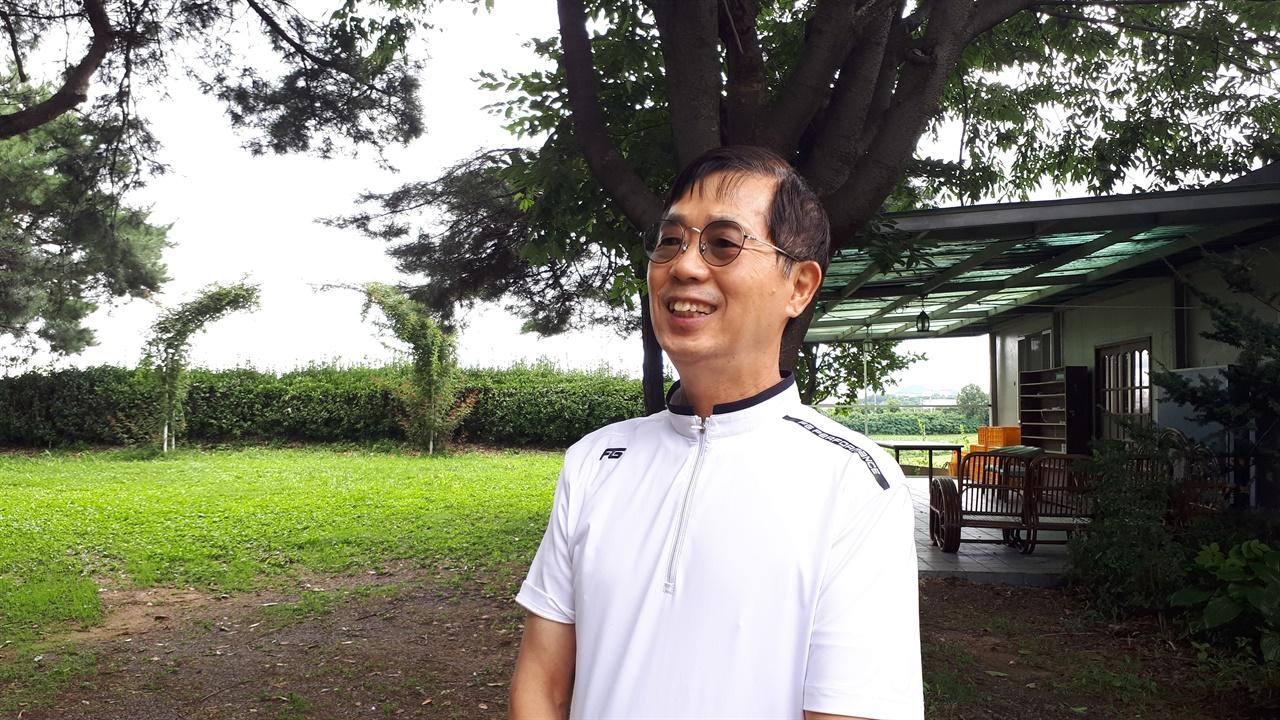 김상보 대표  현재 산안마을 야마기시즘 실현지 영농조합법인 대표이다. 1984년 6가구가 모여 산안마을을 처음 만들었을 때 함께 들어와 지금까지 자식과 손주 세대와 함께 살고 있다.