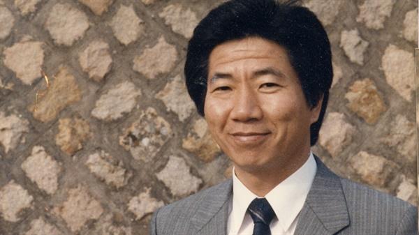 노무현 전 대통령의 젊었을 적 모습. 영화 '노무현입니다' 중 한 장면.