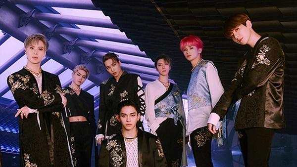 2019년 SM엔터테인먼트가 론칭한 슈퍼그룹 슈퍼엠(SuperM)은 미국 캐피톨 레코즈와 계약을 맺고 본격적인 미국 시장 공략을 선언하여 빌보드 앨범 차트 1위에 오르는 성과를 기록했다.