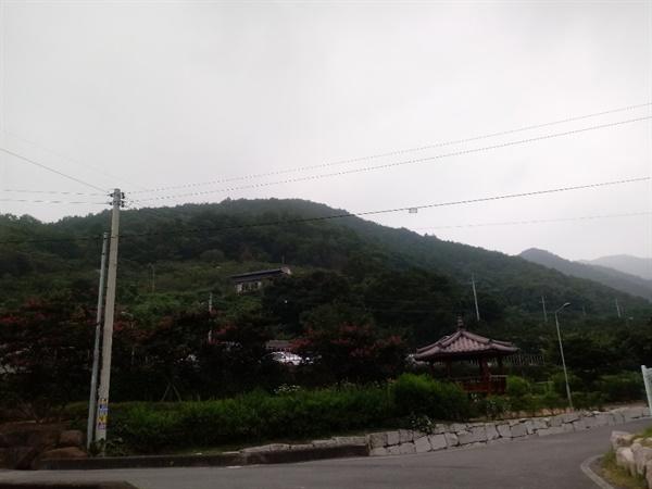 산사람들이 활동했던 운문산 자락의 김전리 앞산