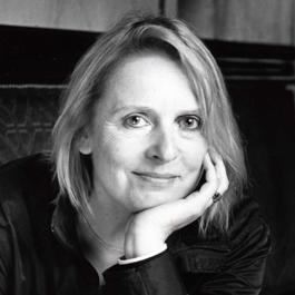 글 작가 엘리자베스 브라미(Elisabeth Brami).