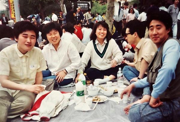바리터 회원으로 활동했던 (왼쪽부터) 이언경, 홍효숙, 허현숙