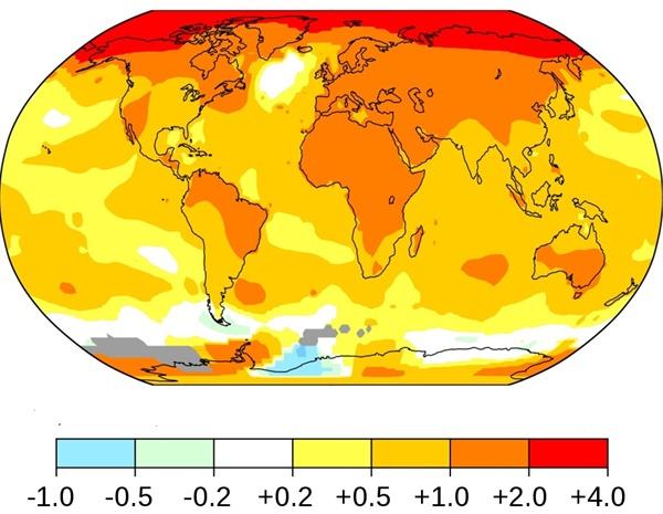 지난 1951~1978년 대비 2010~2019년 대기 온도변화의 정도. 북극 인근 지역의 온도가 예전보다 최근 들어 섭씨 4도 가량이나 오른 것으로 나타났다. 지구가 날로 더워지고 있으며 이런 현상은 특히 북반구, 그중에서도 유라시아 지역에서 두드러진다.