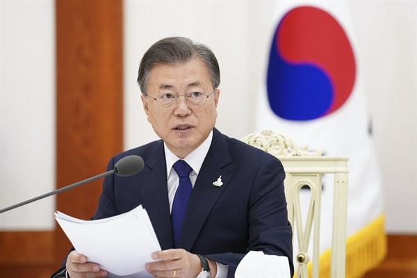 문재인 대통령이 18일 오전 청와대에서 열린 한국 불교지도자 초청 간담회에서 발언하고 있다.