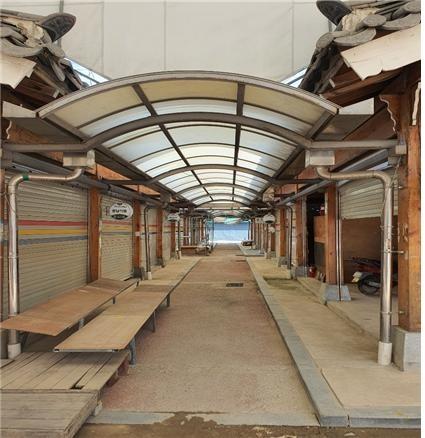 9월 14일 구례 시장 내부 9월 14일에 찍은 구례 시장 내부입니다. 대부분 비어있는 상황