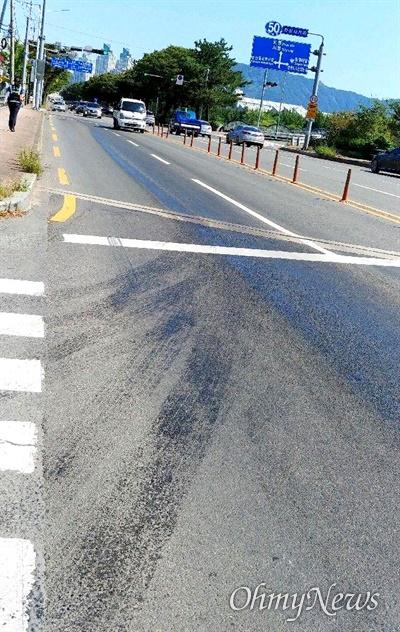 9월 20일 오전 창원 의창구 도로에서 기름 유출 사고가 발생했다.