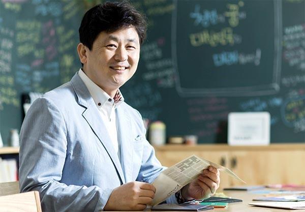 """박기태 '반크' 대표는 국제수로기구가 일본해 대신 숫자로 표기하겠다는 결정에 대해 """"한국과 일본 사이에 기울어진 운동장이 100년만에 평평하게 바뀐 셈""""이라고 반겼다."""